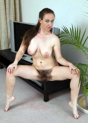 hairy middle aged pussy