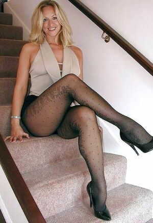 amatuer mature lingerie