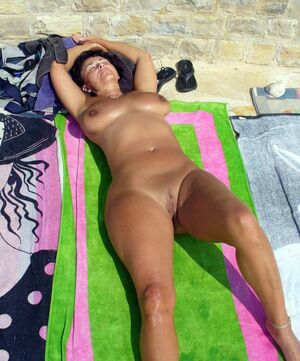 naked milf beach