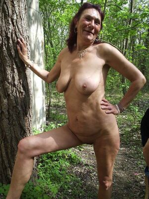 amateur mature cleavage