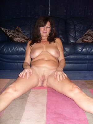 amateur milf big boobs