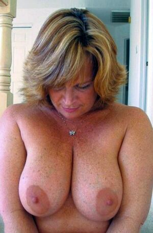natural busty mature