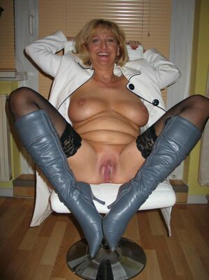 milf nude galleries