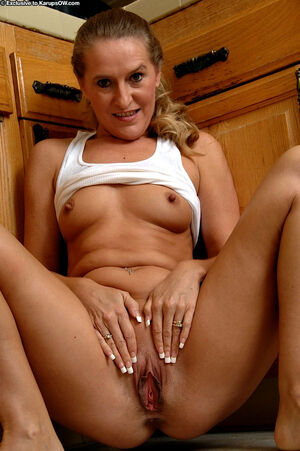 milfs flashing