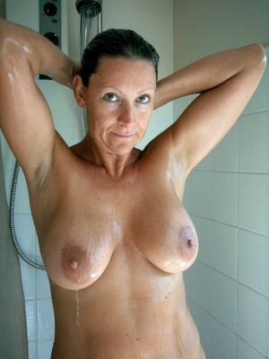 sexy mature women naked