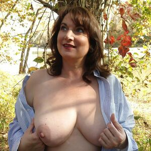 hot mature wife nude