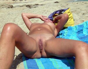 nudist girl and mom