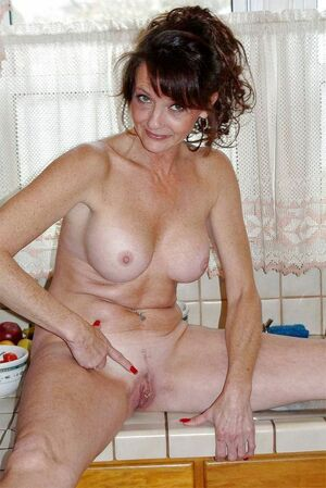 thick milf naked