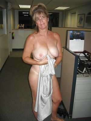 milf exposed in public