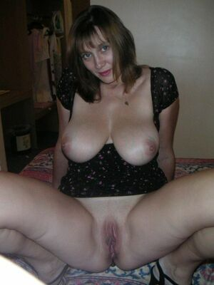 mature bald pussy